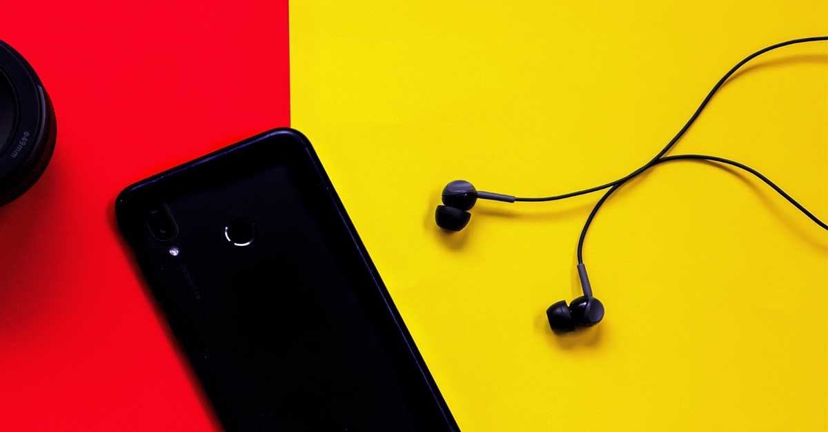 Top 3 Best Earphones Under 300 With Mic India (April 2021)